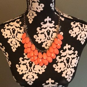 Fashion pink and gold necklace